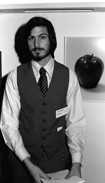 xlarge_steve-jobs-young